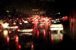 چرا روزهای بارانی خیابانها پر از ترافیک میشوند؟