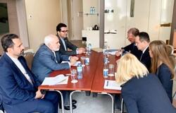 وزیران خارجه ایران و صربستان دیدار کردند