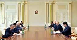 ظريف يبحث مع الرئيس الأذربيجاني العلاقات الثنائية بين البلدين واهم القضايا الاقليمية والدولية