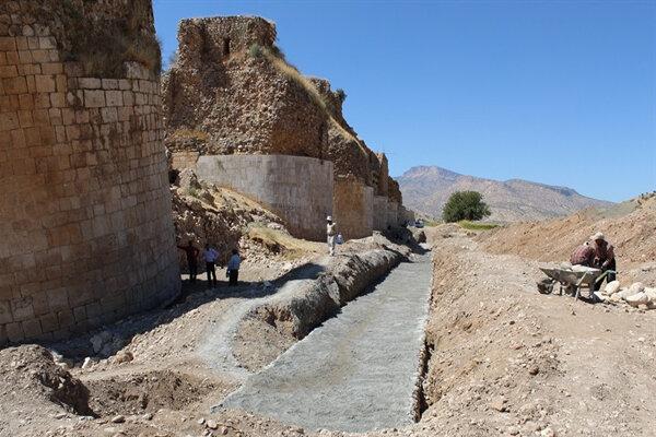۱۰۰ متر از بستر پل تاریخی «کشکان» مقاومسازی شد
