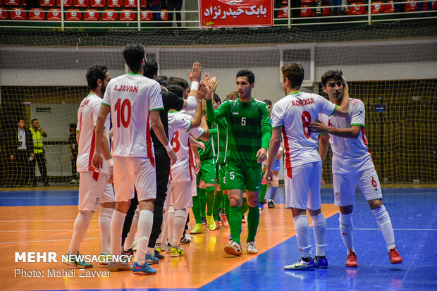 ایران اور ترکمنستان کی فٹسال ٹیموں کے درمیان مقابلہ