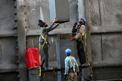 بازدید رییس بنیاد مستضعفان از بازسازی ساختمان پلاسکو