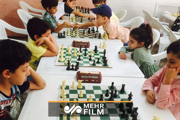 چه نوع بازیهایی برای بچهها مناسب است؟