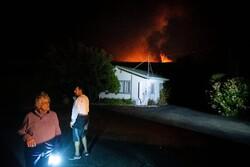 کیلیفورنیا میں آگ سے فرار کرنے والا خاندان