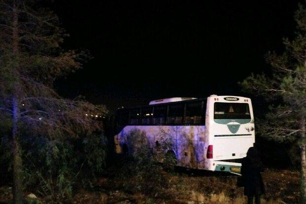برخورد اتوبوس و کامیون در محور همدان-قزوین ۱۷ مصدوم برجای گذاشت