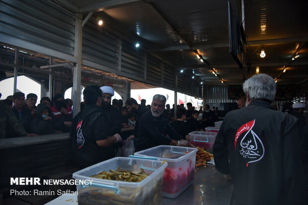 کاروان زائران پیاده امام رئوف