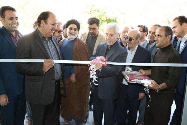 وزیر علوم سالن ورزشی دانشگاه پیامنور واحد اسدآباد را افتتاح کرد