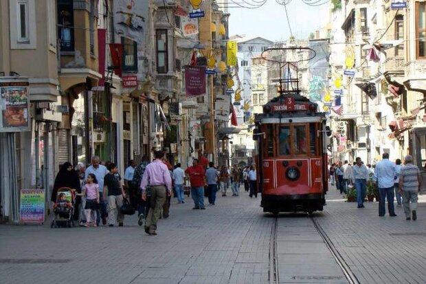 تعداد گردشگران در استانبول از مردم عادی بیشتر میشود