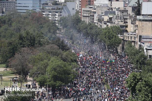 عدم پوشش مناسب اعتراضات شیلی به دلیل همسو بودن «پینیرا» با غرب