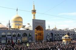 عزاداری هیئت افغانستانیهای مقیم مشهد در خیابانهای اطراف حرم رضوی