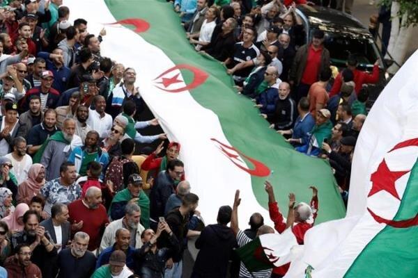 تظاهرات الجزایری ها در اعتراض به مداخلات پارلمان اروپا