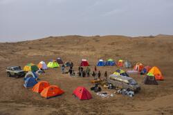 """İran'daki """"Ebuzeydabad Çölü""""nden muhteşem kareler"""