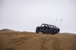 """صحراء """"أبوزيدآباد""""؛ وجهة سياحية شيقة في قلب ايران / صور"""