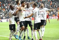 Beşiktaş derbi galibiyetiyle lige tutundu