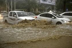 Suudi Arabistan'da şiddetli yağışlar 7 can aldı