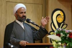 انقلاب اسلامی توانست در برابر گفتمانهای مختلف دنیا بایستد