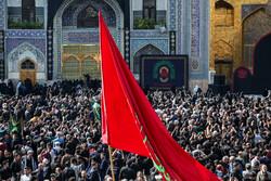 حرم رضوی میں امام رضا علیہ السلام کی شہادت کی مناسبت سے عزاداری