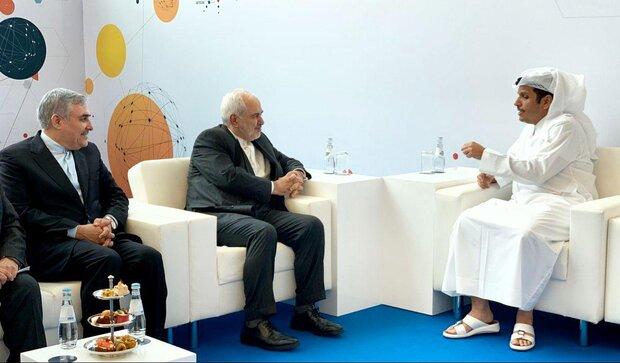 ظريف ونظيره القطري يبحثان اخر التطورات في المنطقة