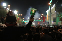 برگزاری آیین شمع گردانی در کاشان/خطبه خوانی شهادت امام رضا(ع)