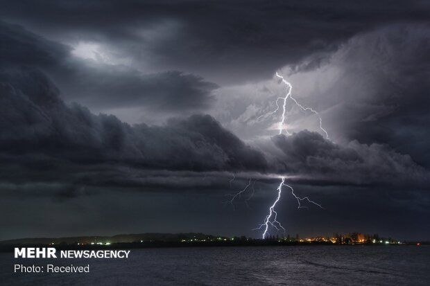 """صورة أحد مصوري """"وكالة مهر للأنباء"""" ضمن الصور الفائزة في مسابقة الطقس لعام 2019"""
