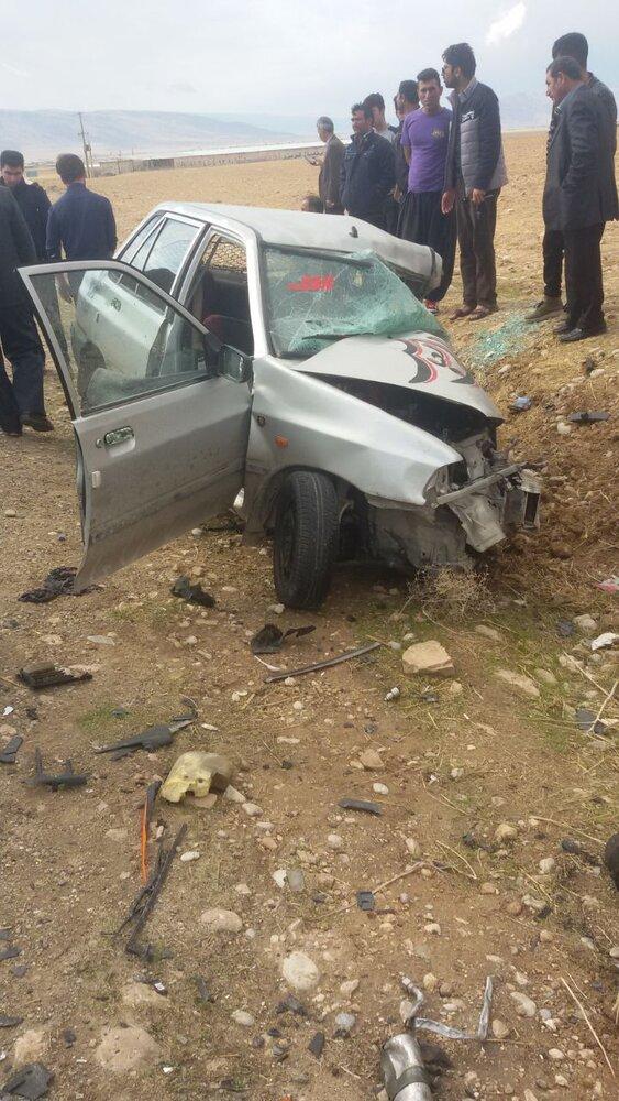 کوهدشت- مدیرعامل جمعیت هلالاحمر لرستان گفت: تصادف دو خودرو سمند و پراید در جاده رومشکان ۳ کشته و ۶ مصدوم برجای گذاشت.