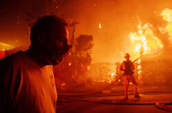 VIDEO: California wildfire causes people to evacuate homes