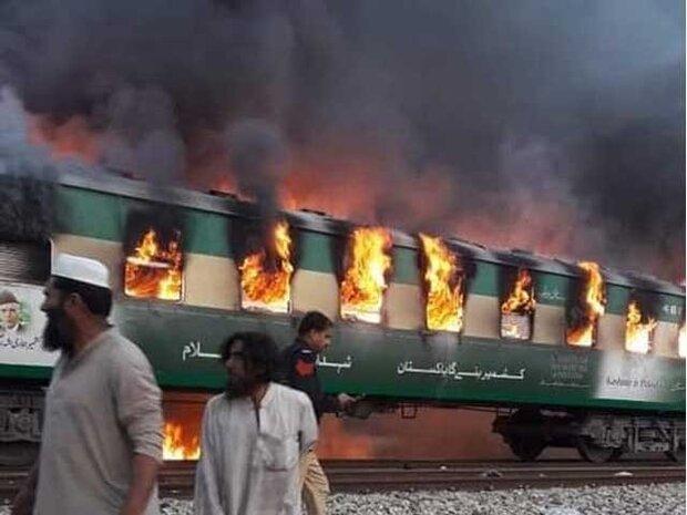 پاکستان میں تیز گام ٹرین کے حادثے میں 73  افراد جاں بحق