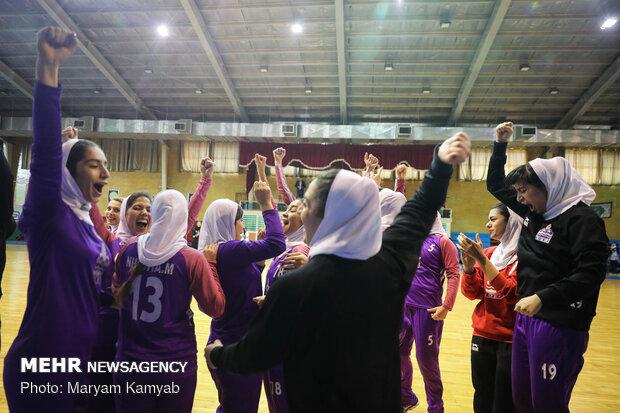 Women's Handball League: Tasisat Daryaei 24-21 Eshtad Sazeh