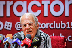 اعتراض به سبک خبرنگاری/خبرنگاران نشست خبری دنیزلی را تحریم کردند