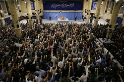 Iranian students meet Leader on occasion of Student day