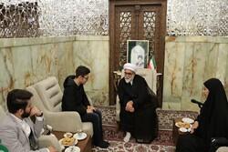 دیدار تولیت آستان قدس رضوی با سه جوان فعال و برگزیده ایرانی
