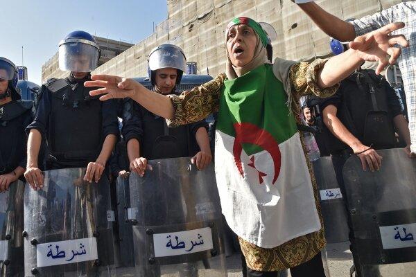 یک دهه پسرفت در خاورمیانه/آزادسازی انرژی سیاسی و آینده جهان عرب