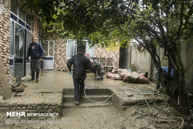 """أضرار السيل في منطقة """"بندركز""""و""""نوكنده""""في محافظة جلستان"""