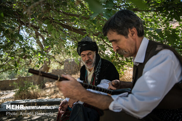The art of Tanbur in Kermanshah