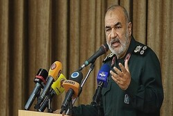 Iranian nation to move out of hardship despite US sanctions