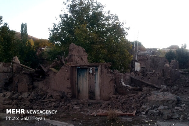 Damages to buildings in 5.9 quake in Mianeh