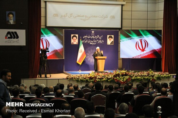 President Rouhani inaugurates several projects in Kerman
