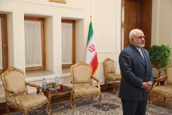 Zarif meets with new Cambodian envoy in Tehran