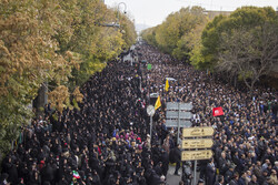 People of Tabriz rally in condemnation of 'hooligans'