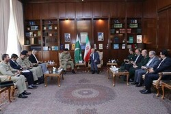 Zarif, Pakistani cmdr. discuss abducted Iranian border guards