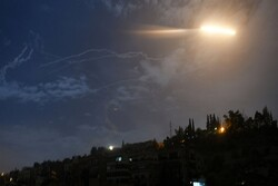 Syrian air defense systems thwart Israeli regime's aggression