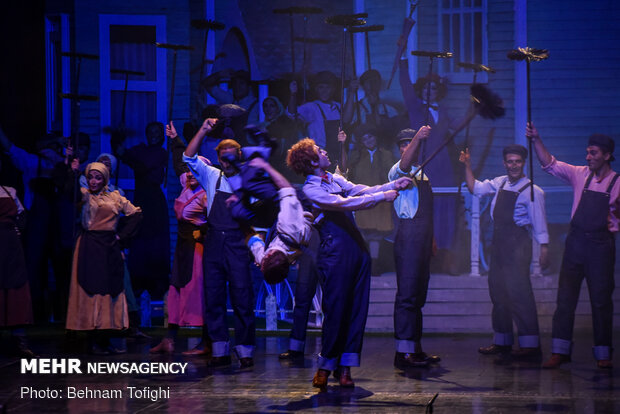 'Mary Poppins' goes on stage in Vahdat Hall