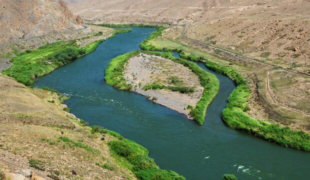 Iranian Foreign Ministry should follow up Aras River pollution