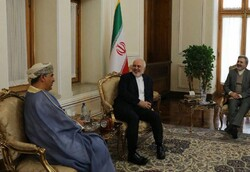 Omani envoy holds farewell meeting with Zarif