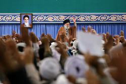 Basij forces meet Leader on occasion of Basij Week