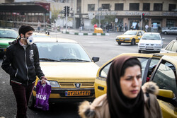 Tehraners resort to masks as air pollution soars