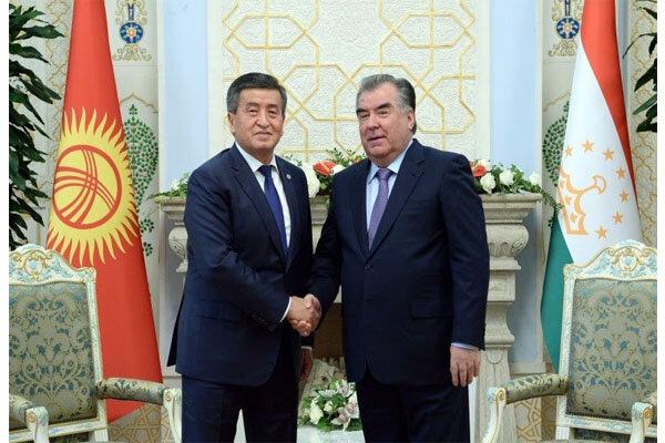 گفتوگوی دو ملت تاجیکستان و قرقیزستان حولمحور شاعر ایرانی