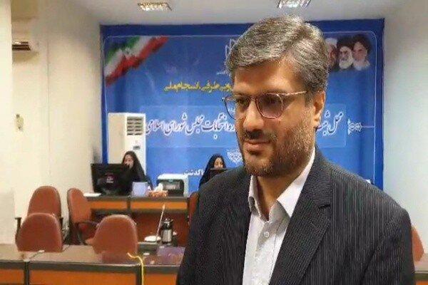 ستاد انتخابات پاکدشت در حال ارائه خدمات و ثبت نام کاندیداها است