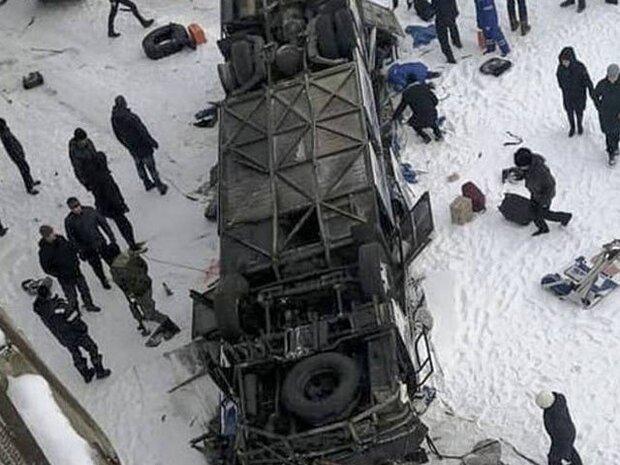 روس میں بس منجمد جھیل میں گرنے سے 19 مسافر ہلاک