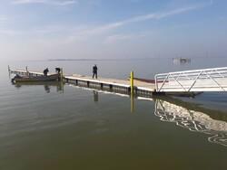 آماده شدن رمپ فلزی شناور اسکله گمرک شیو پارسیان